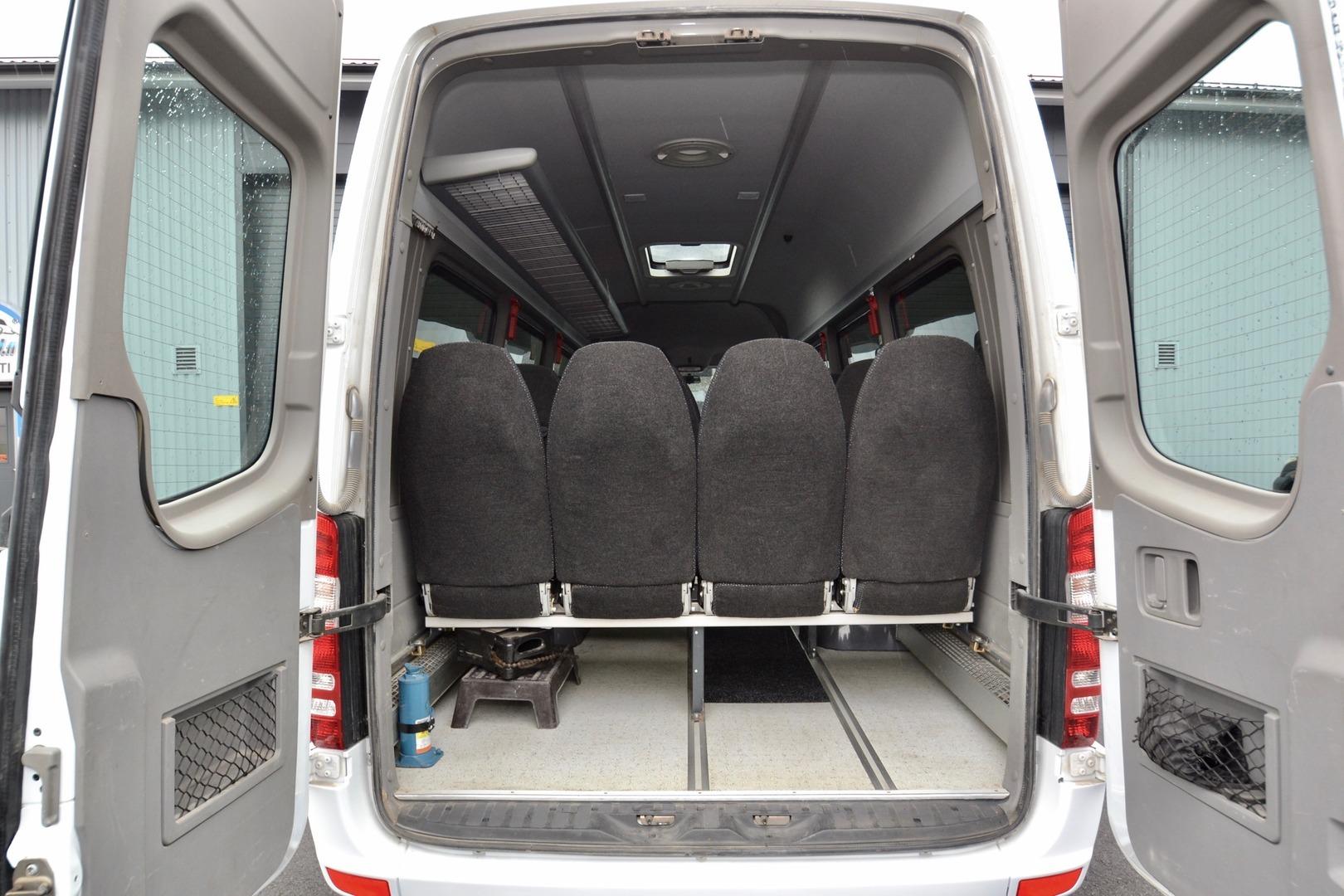 Mercedes-Benz Sprinter 515 CDI, Evobus 17 paikkaa