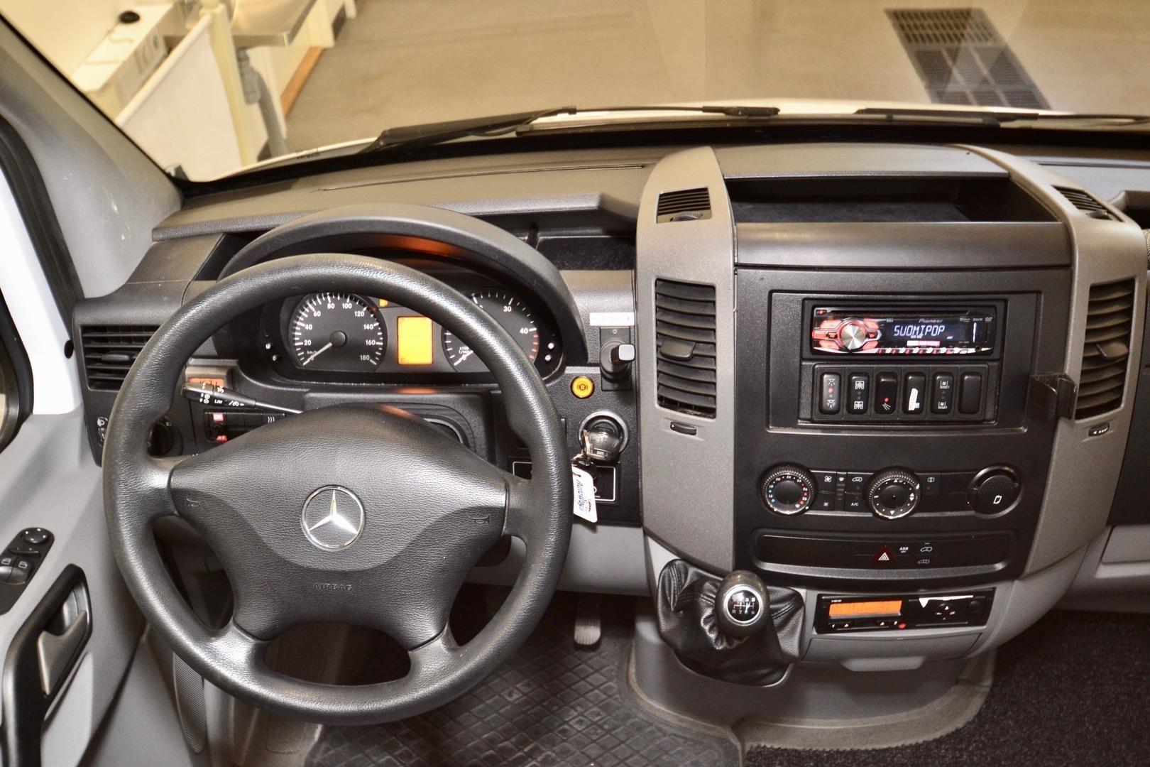 Mercedes-Benz Sprinter 519 CDI, Altas 17 paikkaa