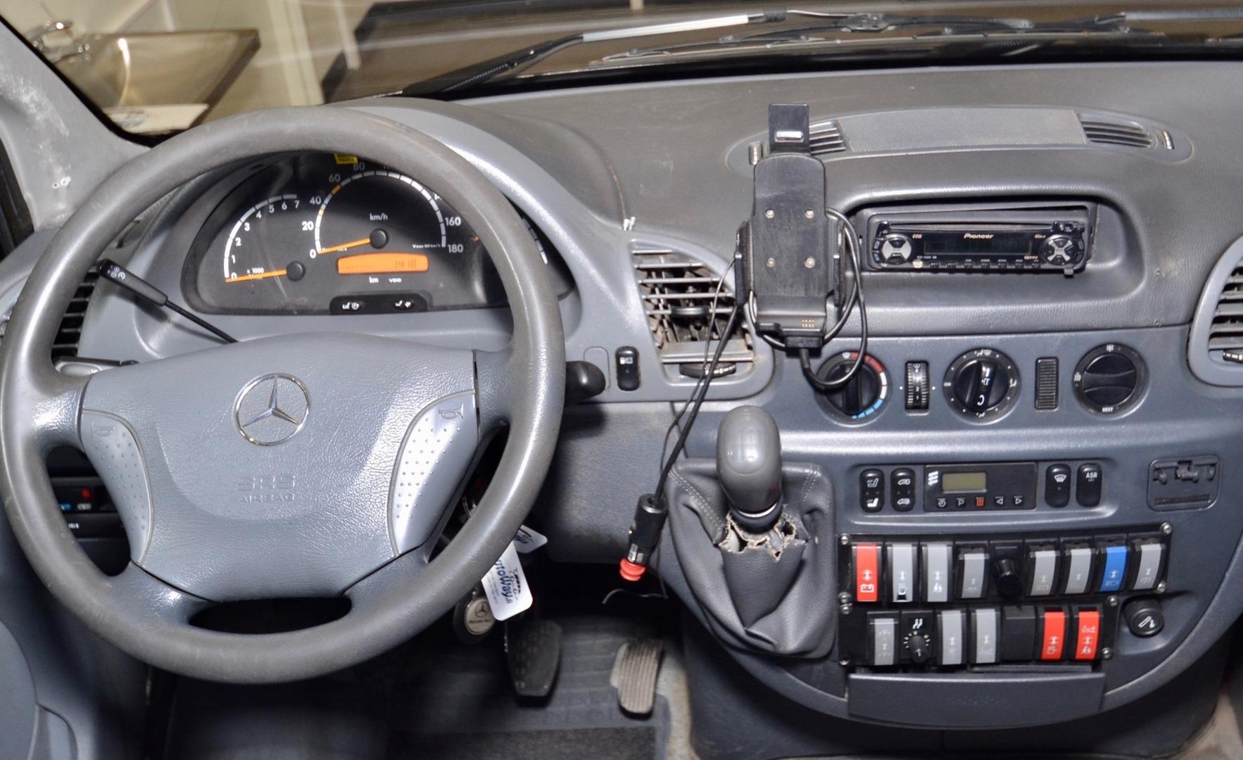Mercedes-Benz Sprinter, 416 CDI 19+1 paikkaa