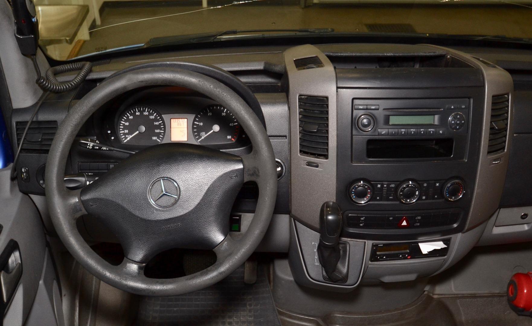 Mercedes-Benz SPRINTER 515 CDI, 21 paikkaa